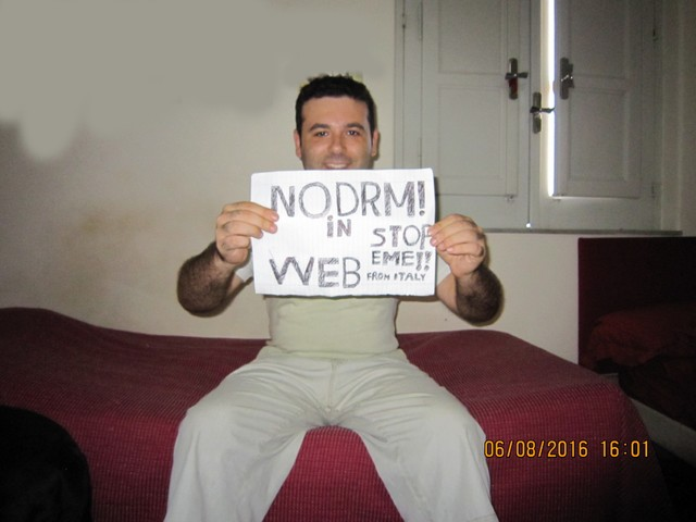 Image for Italy: Selfie against DRM in Web standards