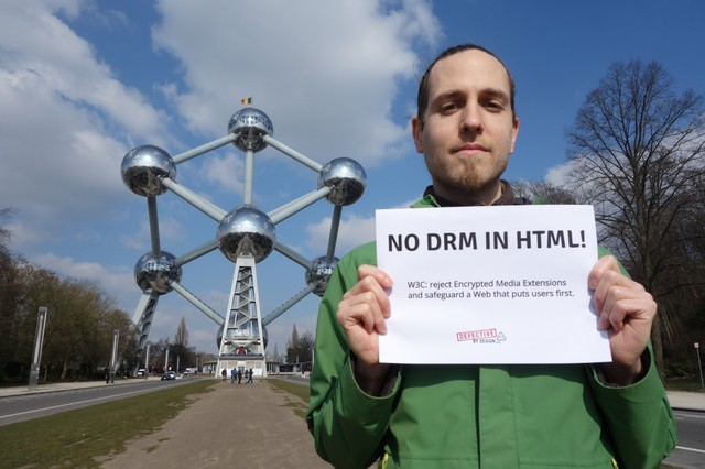 Image for Hugues -- No DRM in Web standards!